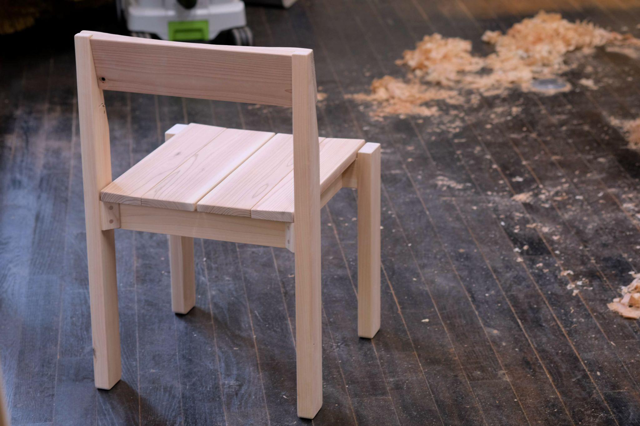 ヒノキと杉の椅子製作スナップ